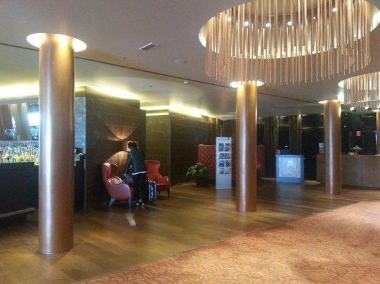 Falkensteiner Hotel Bratislava: L'atrio d'ingresso