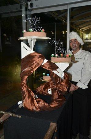 RV Hotel Palau Lo Mirador: La entrada del pastel al Restaurante.. excelente!!