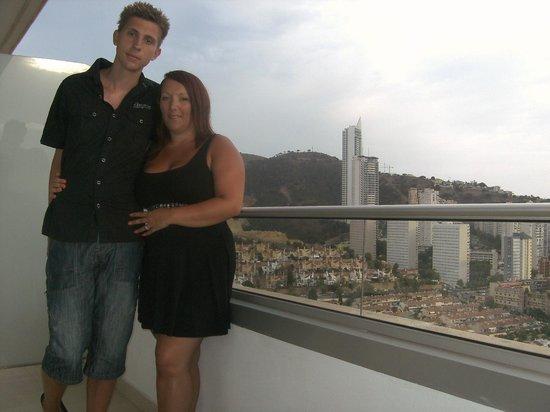 Hotel Levante Club & Spa: Us on Balcony view of Benidorm