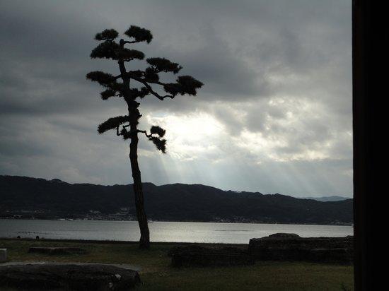 Suwa City Kohan Park : 足湯からの諏訪湖の眺め