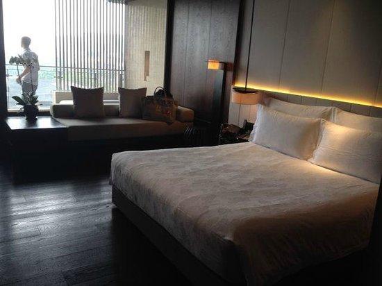 OCT Bay Breeze Hotel Shenzhen: 床很軟熟