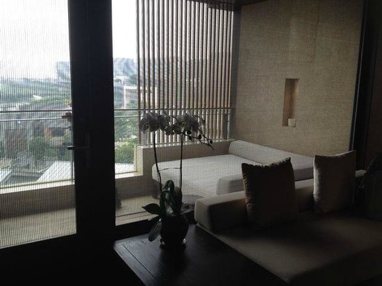OCT Bay Breeze Hotel Shenzhen: 露台有梳花,可看煙花(不知為何有煙花)