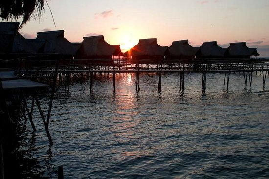Flamingo Bay Water Lodge: Chalets during sunset. (Astrid Nel Photography)