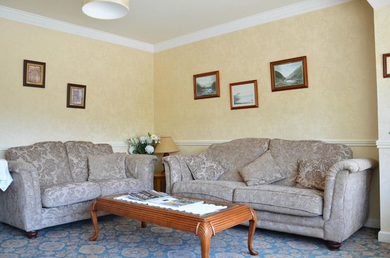 Ardree House: Lounge