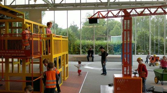 Le Vaisseau: Block constructing area