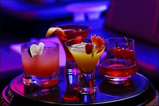 Chapters On The Terrace: $10 cocktails every Thursday!!!