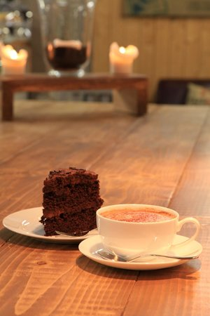 The Bakehouse Cafe: Coffee & cake