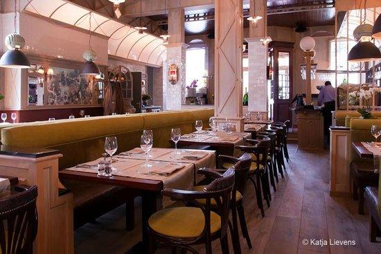 Restaurant I Divi: Ambiance intérieur du I divi de Court Saint Etienne