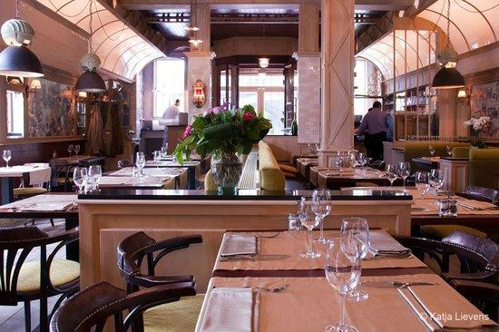 Restaurant I Divi: Décoration intérieur du I divi de Court Saint Etienne