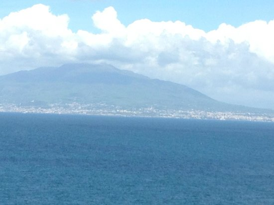 Tui Sensimar Grand Hotel Nastro Azzurro: Mt. Vesuvius