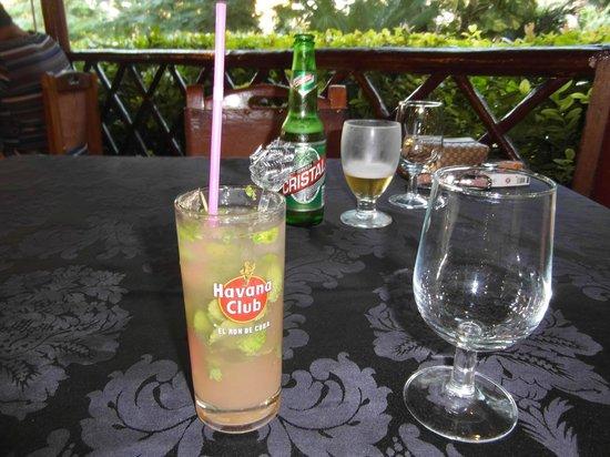 El Aljibe : Mojito and Cristal time
