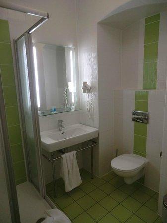 Hotel Lucia: specchio illuminato