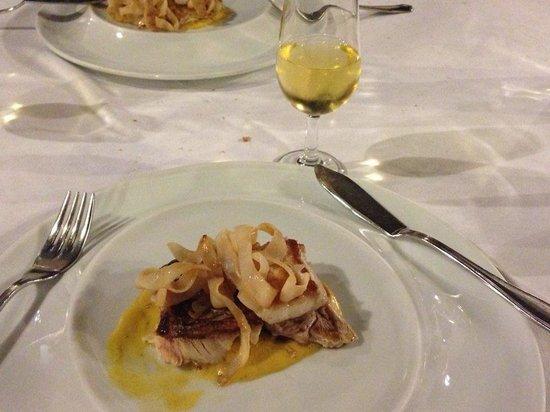 LA CARBONA: Fish course, with fino en rama