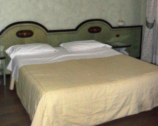 IH Hotels Milano Puccini : Номер в отеле