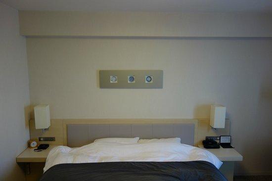 Richmond Hotel Narita: ツインのベッドは寝心地が良かったです