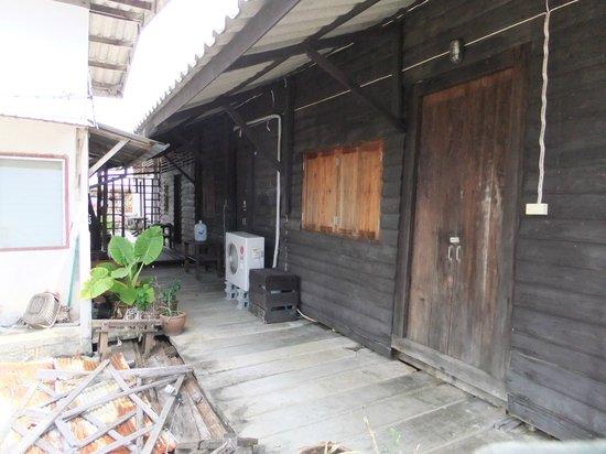 Mango Guesthouse + Villas: エントランス