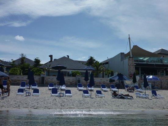 Samui Resotel Beach Resort: Beach Chairs and Umbrellas provided Best Spot to relax!