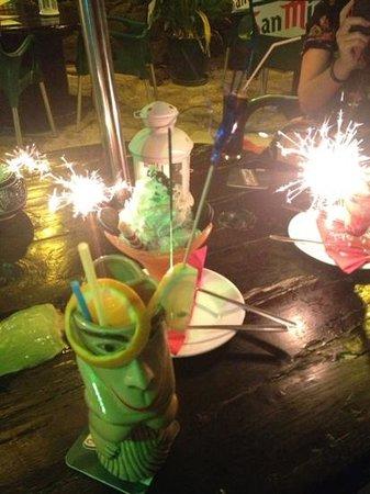 Surfwings Bar: Add a caption