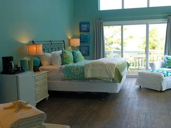 Lake Huron Inn Bed & Breakfast : Driftwood Suite