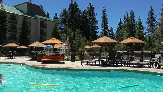 Tenaya Lodge at Yosemite: Pool 1