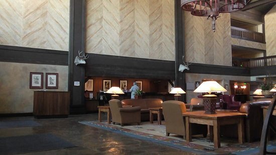 Tenaya Lodge at Yosemite: Lobby