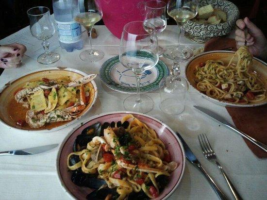 Ravioli cernia fettuccine scoglio spaghetti spada foto di sicilia in tavola siracusa - Sicilia in tavola siracusa ...
