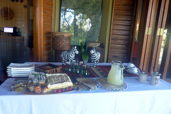 Ulusaba Safari Lodge: One of the many snacks they would prepare for us!