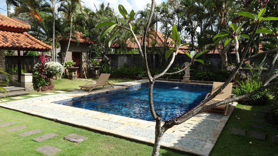 The Club Villas: Garden - Pool
