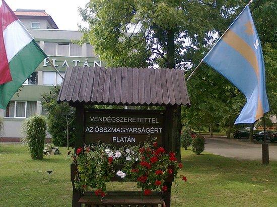 Komfort Hotel Platan: Együttérzés a székely autonómiával