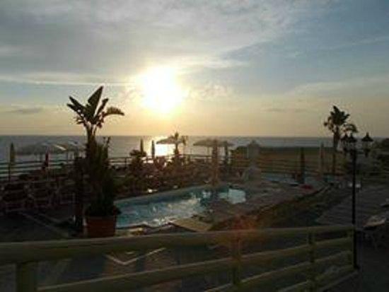 Baia delle Sirene Park Hotel : piscina
