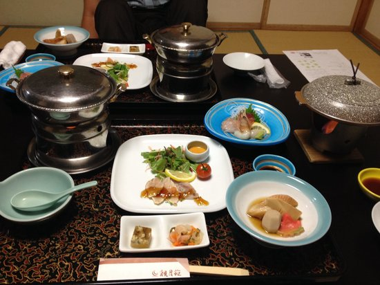 Kangetsuen : 和食会席、このあとグラタンとお豆のごはん、お吸い物。