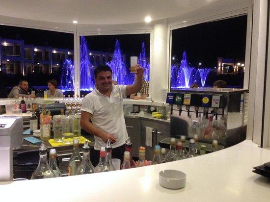 Princess Andriana Resort & Spa : Barman