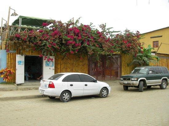 Hostal Machalilla: Vista exterior