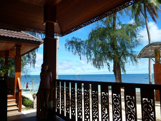 Charm Churee Villa : point de vue depuis la terrasse du bungalow