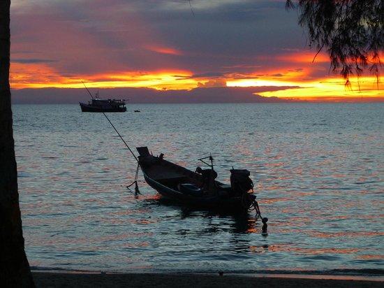 Charm Churee Villa: point de vue depuis la plage de l'hotel