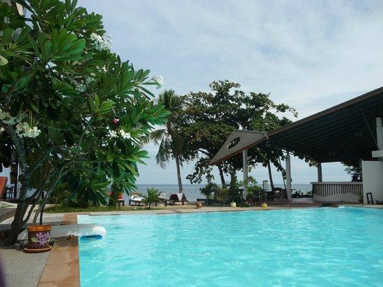 Charm Churee Villa: piscine