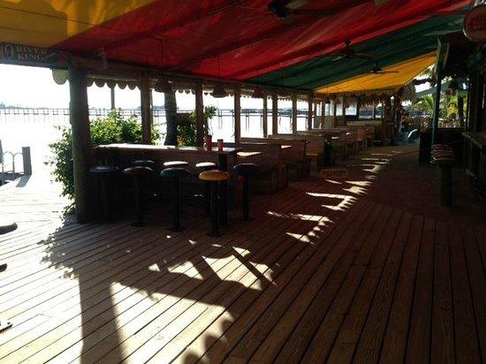 Capt Hiram's Resort: Restaurant Area Porch