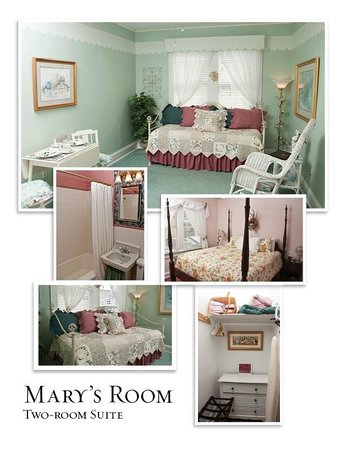 Simpsons Bed & Breakfast: Mary's Suite (two-room)