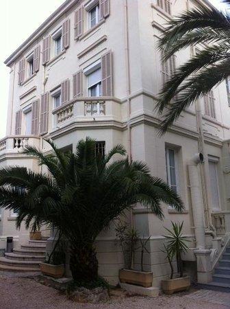 Hotel Oxford: Hotel vu du jardin