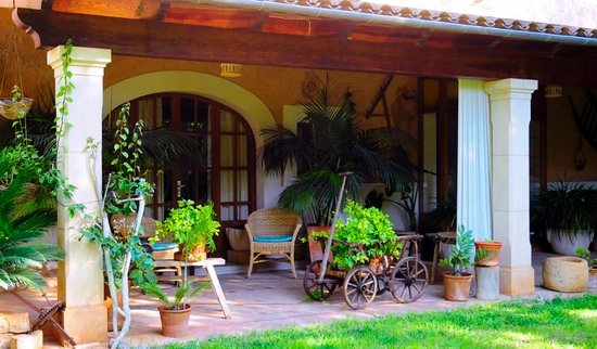Son Mercadal : private patio, perfect for that morning coffee!