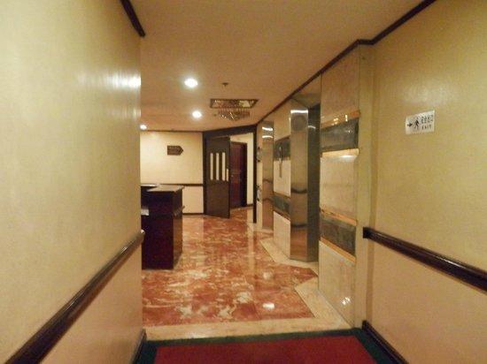 Great Eastern Hotel: Hallway 8/F