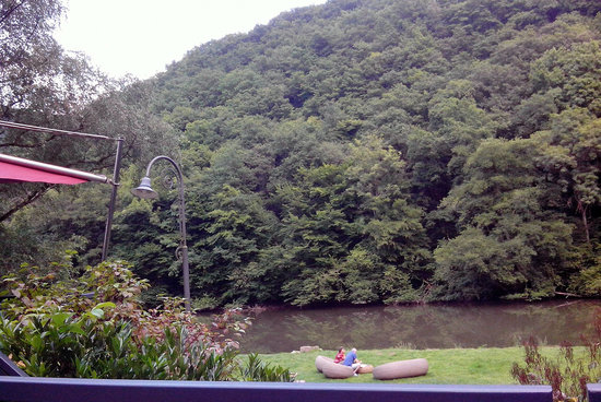 Hotel Theis: Hotel / River