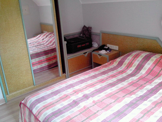 Hotel Theis: Room