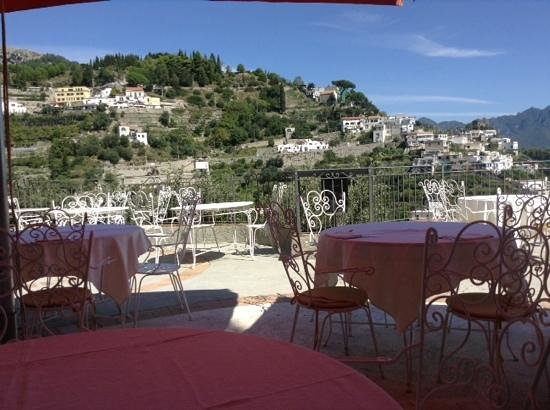 Excelsior Grand Hotel: lunch on the terrace