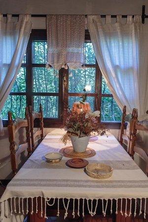 Bakkhos Guesthouse: kamer