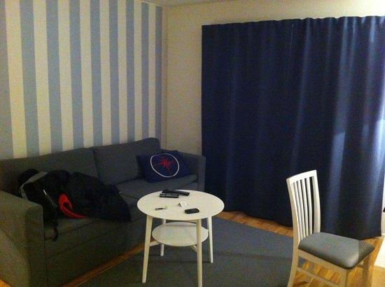 Attendo Park Hotel: Sofa !