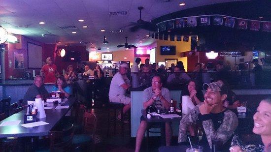 Weekend Willie's Sports Bar and Grill : Bridget Tatum show