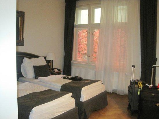 Hotel Elysee : quarto