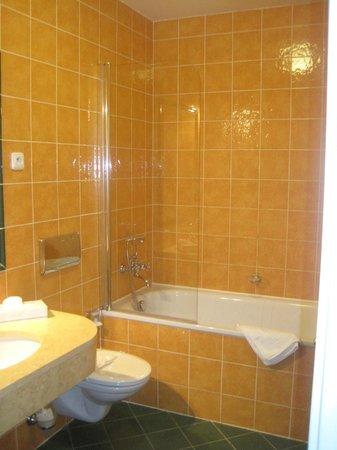 Hotel Elysee : banheiro limpo