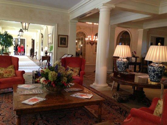 Keswick Hall: The lobby